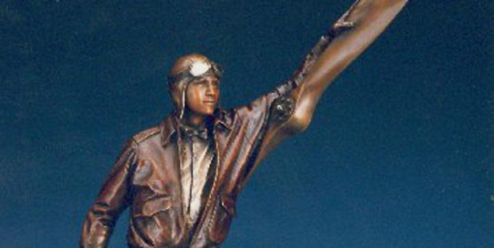 George Lundeen, Aviator 19, bronze